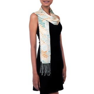 Handmade Silk 'Green Lotus Pond' Scarf (Indonesia)
