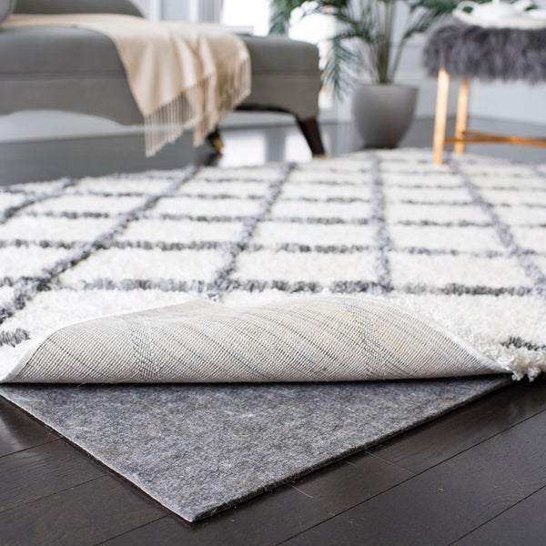 Safavieh Durable Hard Surface and Carpet Rug Pad (5' x 8') - Grey - 5' x 8'