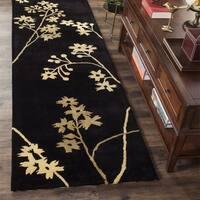 """Safavieh Handmade Soho Autumn Black New Zealand Wool Runner - 2'6"""" x 12'"""