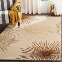 Safavieh Handmade Soho Burst Beige New Zealand Wool Rug - 6' x 9'
