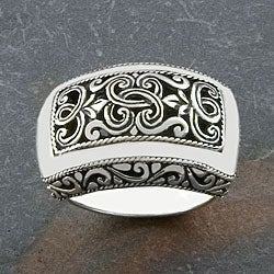 Handmade Sterling Silver Wide 'Cawi' Ring (Indonesia)|https://ak1.ostkcdn.com/images/products/3964234/Handmade-Sterling-Silver-Wide-Cawi-Ring-Indonesia-P11997903.jpg?_ostk_perf_=percv&impolicy=medium