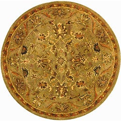 Safavieh Handmade Antiquities Kasadan Olive Green Wool Rug (3'6 Round)