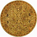 Safavieh Handmade Antiquities Kasadan Olive Green Wool Rug (3'6 Round) - 3'6 Round