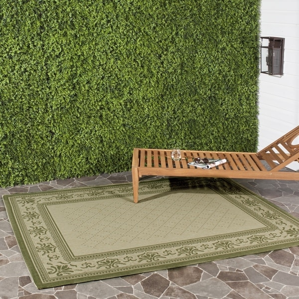 Safavieh Royal Natural/ Olive Green Indoor/ Outdoor Rug (2'7 x 5')
