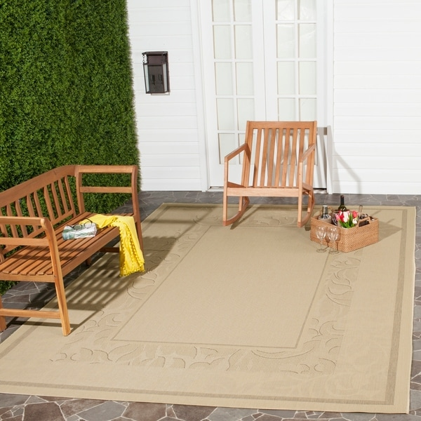 Safavieh Beachview Natural/ Brown Indoor/ Outdoor Rug - 8' x 11'