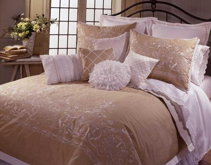 Sara 4-piece King-size Comforter Set