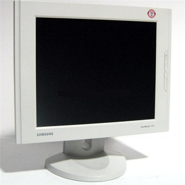 Samsung 171T Flat Panel LCD White Monitor
