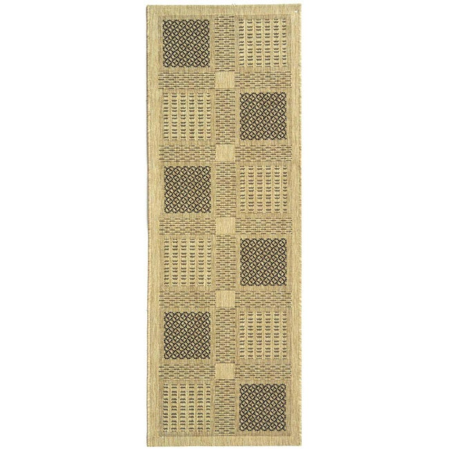 Safavieh Lakeview Sand/ Black Indoor/ Outdoor Runner (2'4 x 6'7)