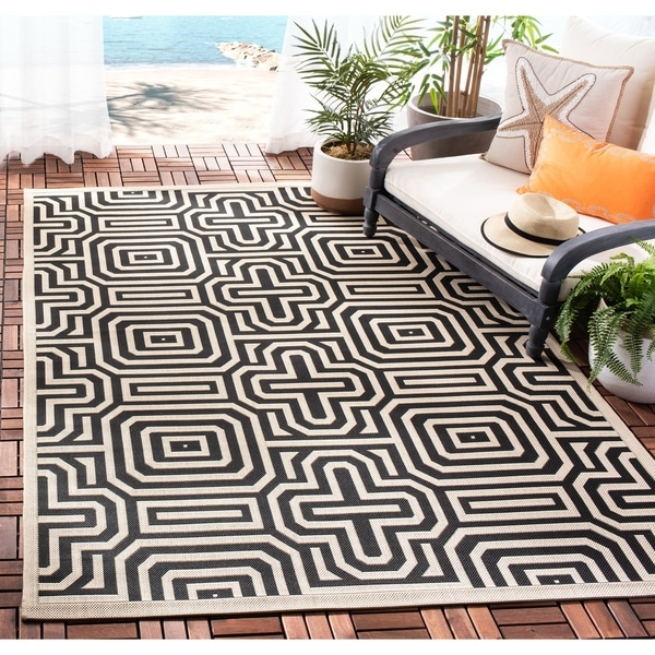Black Graphic Woven Emerson Indoor Outdoor Area Rug: Shop Safavieh Matrix Sand/ Black Indoor/ Outdoor Rug