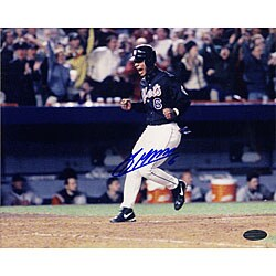 New York Mets Melvin Mora Crossing the Plate 8x10 Autographed Photo