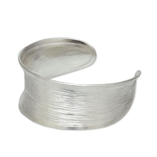 Handmade Sterling Silver Luminous Thai White Textured Finish Cuff Bracelet (Thailand)