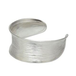 Handmade Sterling Silver Luminous Thai White Textured Finish Cuff Bracelet (Thailand)