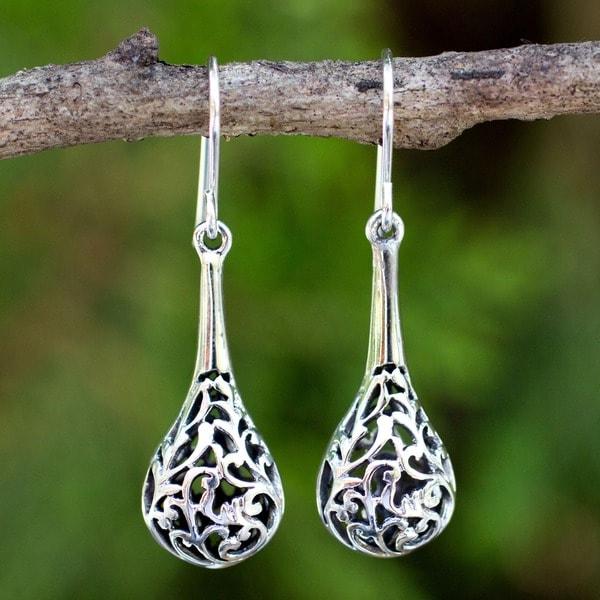 Handmade Sterling Silver 'Forest Fern' Teardrop Disk Dangle Earrings (Thailand)