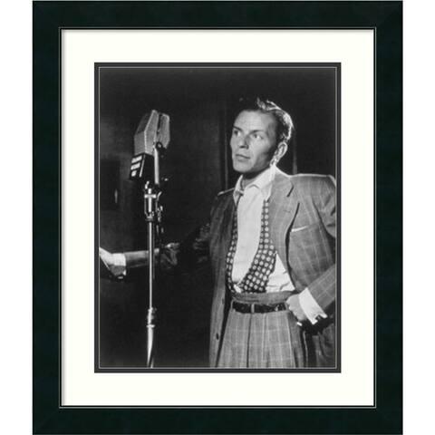Framed Art Print 'Golden Age of Jazz, Frank Sinatra' by William P. Gottlieb 23 x 27-inch