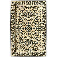 Safavieh Hand-hooked Iron Gate Ivory/ Navy Blue Wool Rug - 3'9 x 5'9