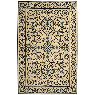Safavieh Hand-hooked Iron Gate Ivory/ Navy Blue Wool Rug (5'3 x 8'3)