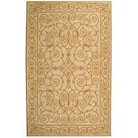 Safavieh Hand-hooked Iron Gate Ivory/ Gold Wool Rug - 2'9 x 4'9