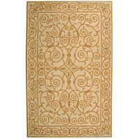 Safavieh Hand-hooked Iron Gate Ivory/ Gold Wool Rug - 6' x 9'