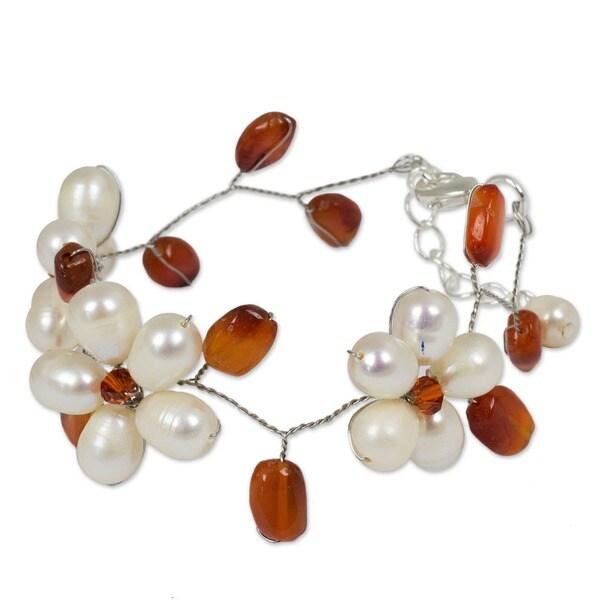 Handmade Pearl and Carnelian 'Bright Dream' Floral Bracelet (Thailand)