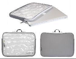 Sumdex NUN-717 AirCube 17-inch MacBook Pro Sleeve - Thumbnail 2