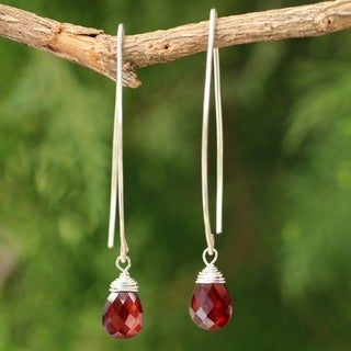 Handmade Sterling Silver and Garnet 'Sublime' Drop Earrings (Thailand)