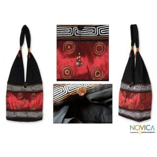 Handmade Silk/ Cotton 'Oriental Red' Sling Tote (Thailand)