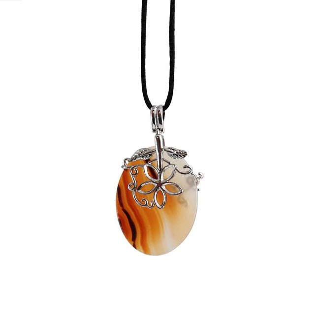 Handmade Silver-alloy/ Agate Pendant Necklace (China)