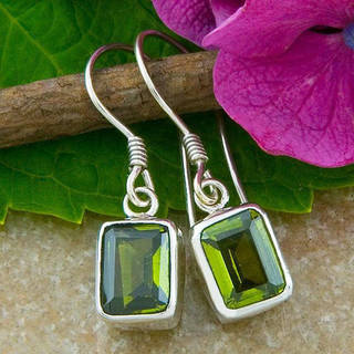 Handmade Sterling Silver Emerald-cut Peridot Earrings (Indonesia)