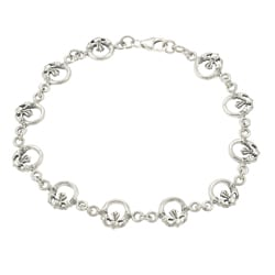 Journee Collection Sterling Silver Claddaugh Link Bracelet