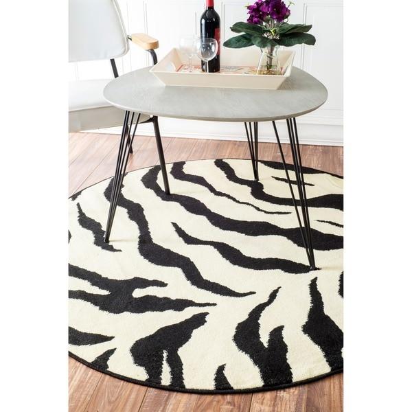 nuLOOM Zebra Animal Print Black/ Ivory Rug (5'3 Round)
