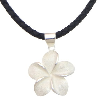 Handmade Sterling Silver 'Frangipani' Necklace (Indonesia)