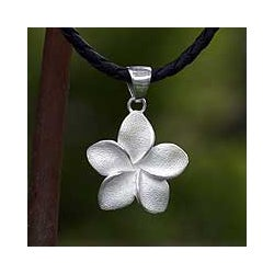 Sterling Silver 'Frangipani' Necklace (Indonesia)