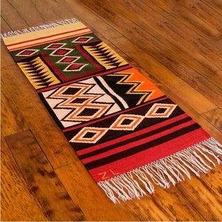 Handmade Peruvian 'Sacred Valley' Wool Runner Rug (2' x 5') (India) - 2' x 5'