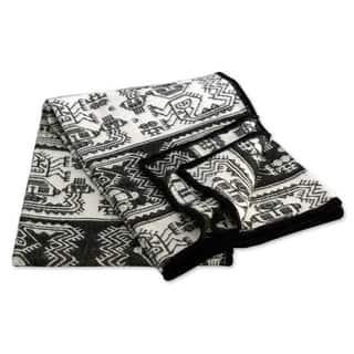 'Paracas Monochrome' Alpaca Wool Blanket (Peru)|https://ak1.ostkcdn.com/images/products/4123792/P12130178.jpg?impolicy=medium