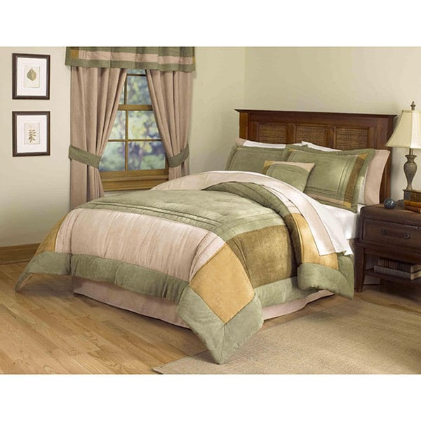 Handcrafted Chesterfield 8-piece Comforter Set
