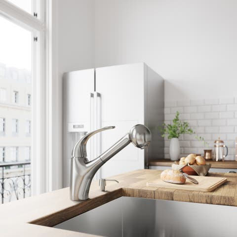 VIGO Alexander Stainless Steel Pull-Out Spray Kitchen Faucet (As Is Item)