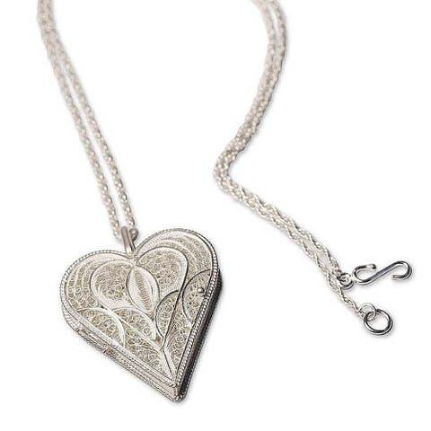 Handmade Loving Heart Locket Keepsake Necklace (Peru)
