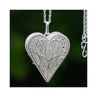 Loving Heart Handmade Gossamer Pendant Jewelry Romantic Lacy Filigree Silver Locket Keepsake Women's