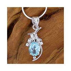 Handmade Silver Blue Topaz 'Scintillating Bouquet' Necklace (India)