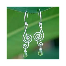 Sterling Silver Peridot 'Thai Melody' Dangle Earrings (Thailand)