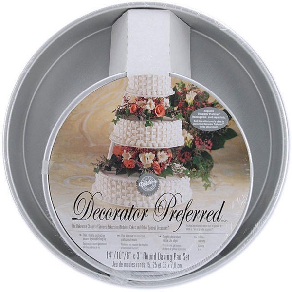 Wilton Decorator Preferred Round Cake Pans (Set of 3)