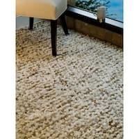 Safavieh Handmade Aspen Shag White/ Beige Wool Area Rug - 6' x 9'