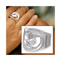 Handmade Sterling Silver 'Soul's Inception' Ring (Mexico)