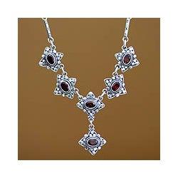 Sterling Silver 'Stellar Sextet' Garnet Necklace (Indonesia)