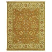 Safavieh Couture Sumak Handmade Flatweave Gold/ Ivory Wool Area Rug - 4' x 6'