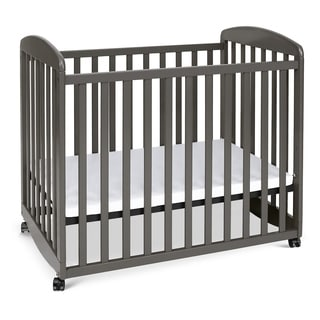 DaVinci Alpha Rolling Mini Rocking Crib