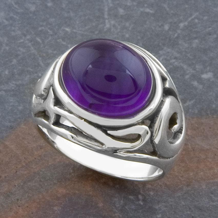 Sterling Silver Amethyst Ornamented Ring (Thailand)