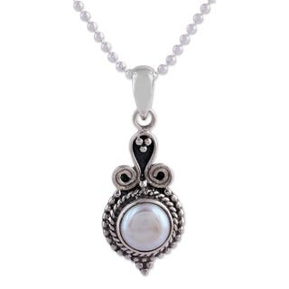 Handmade 'Cloud Of Desire' Pearl Necklace (India)|https://ak1.ostkcdn.com/images/products/4345865/P12317997.jpg?impolicy=medium