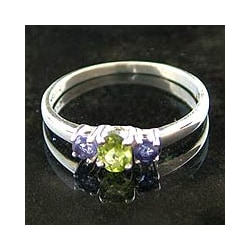 Handmade 'Blue Embrace' Iolite and Peridot 3-stone Ring (India)