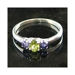 Handmade 'Blue Embrace' Iolite and Peridot 3-stone Ring (India)